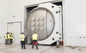 Installation of space test chamber